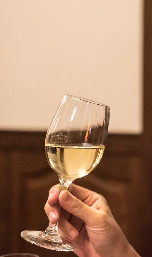 この3本のワインは、10月12日からのスッポンオプション/スッポン鍋がはじまってから頼めるみたい。そしてスッポンシーズンが終わると同時に終わるみたい。生まれし日、