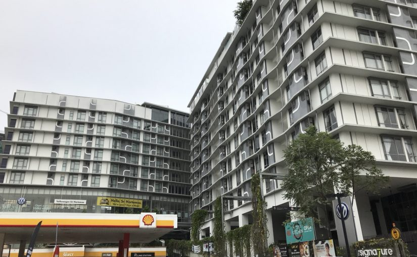 宿はSignatureホテル。街並みをプールから見渡せる爽快 #オジ旅PR #新日本焼肉党 #マレーシア