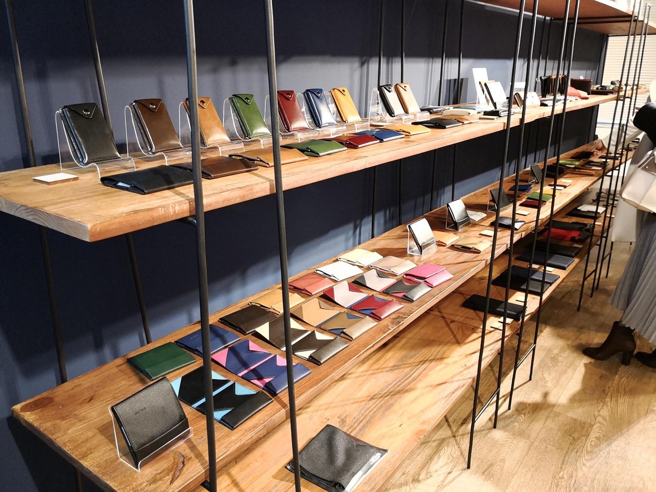 薄い財布と小さい財布 スーパークラシック大阪