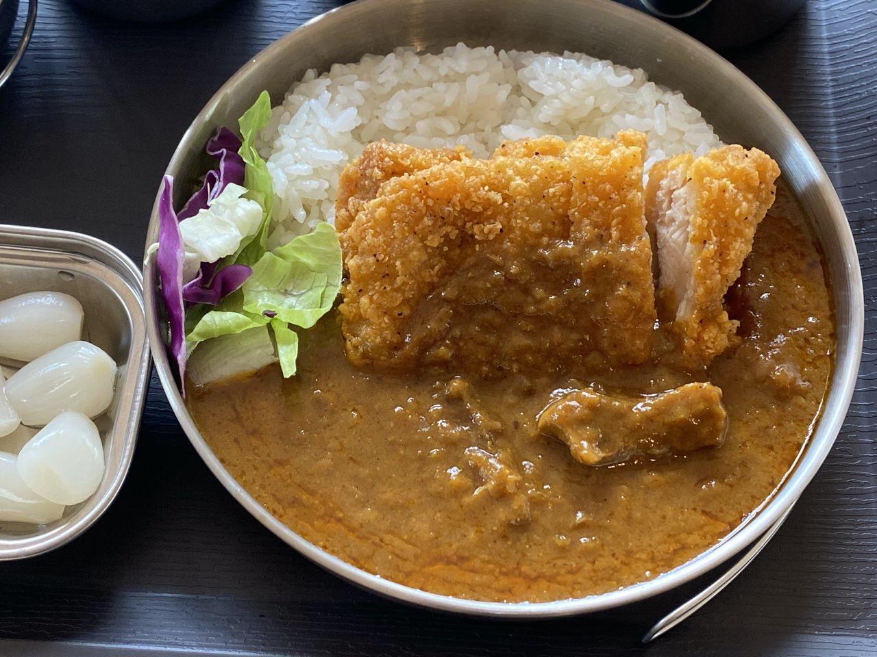 【ローソン】新宿中村屋のレトルトカリーとLチキで作るチキンカツカレーは良い感じだぞ、君! #金曜日はローソンでカレー #オジ旅PR